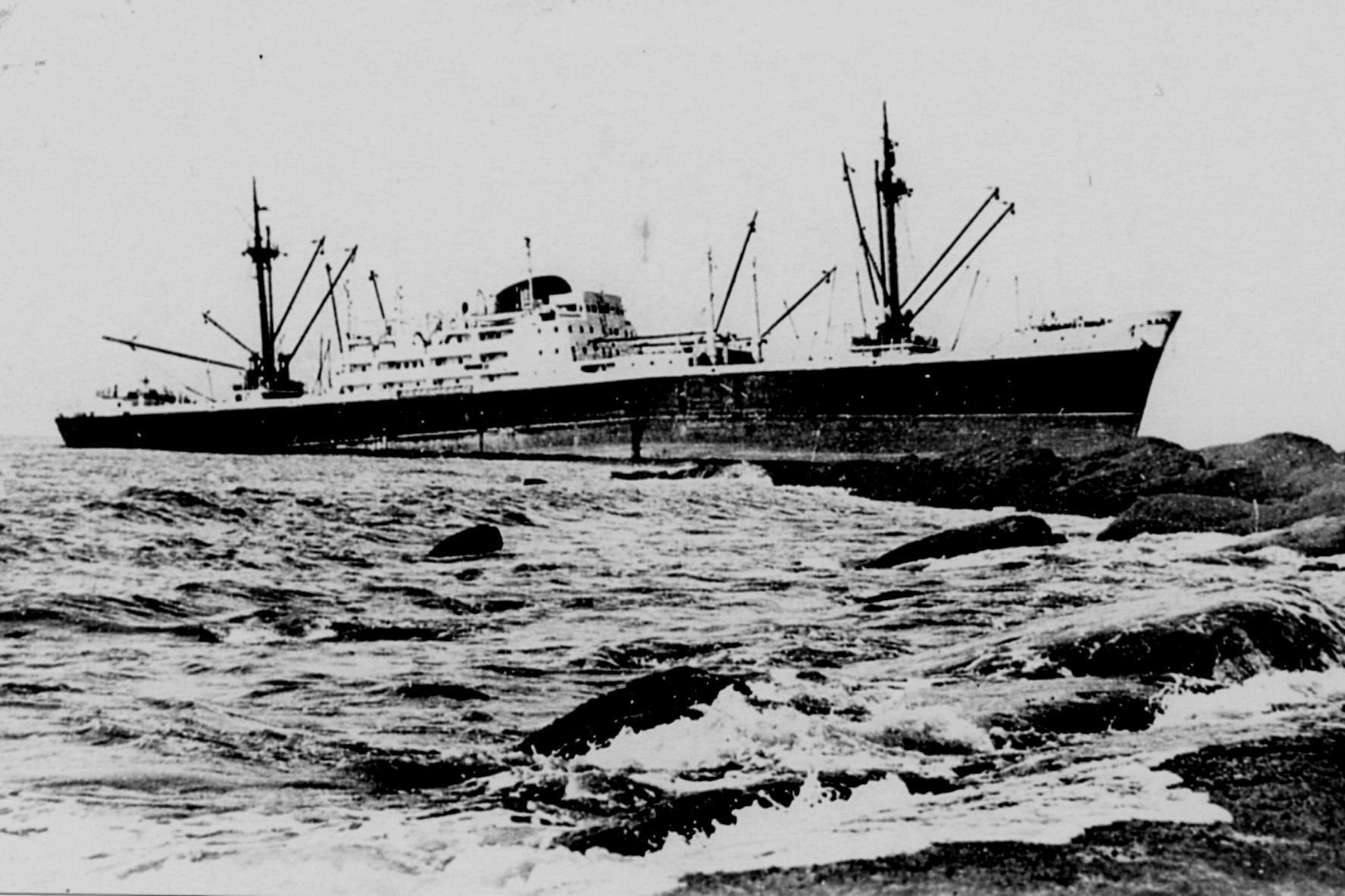 Le cargo Equateur échoué au large du Cap Gris Nez