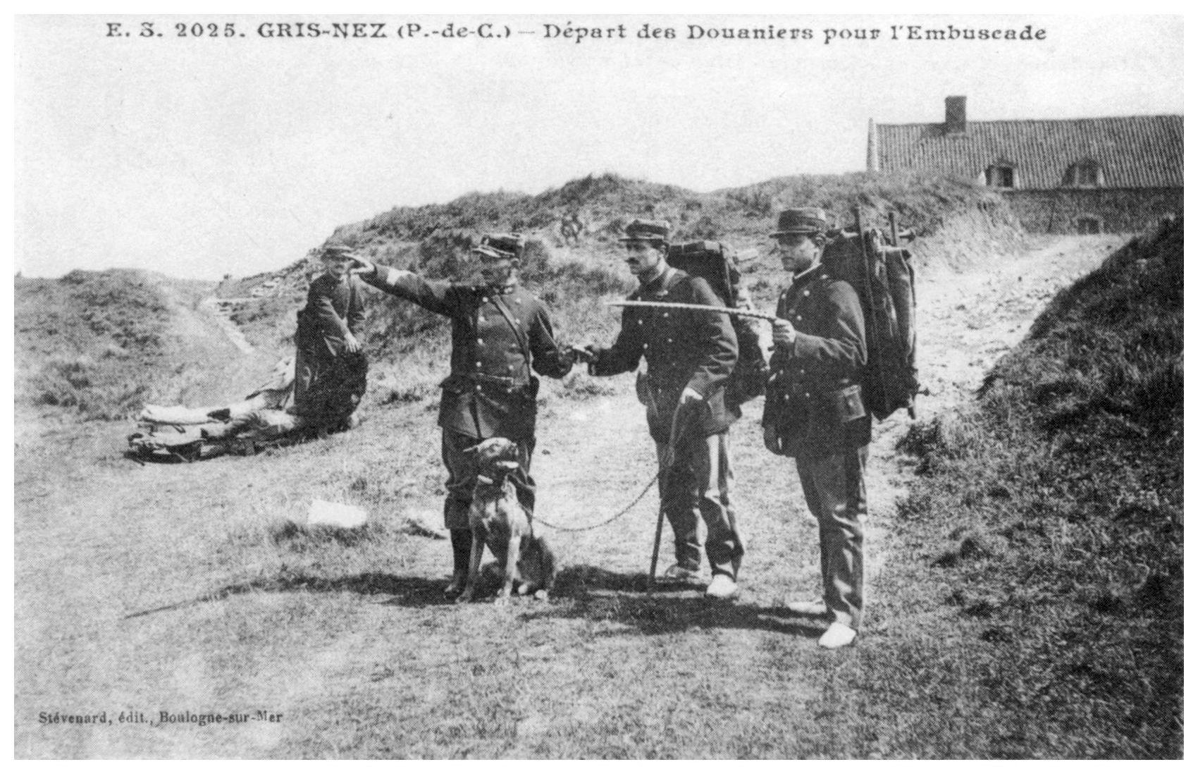 Cap Gris Nez - le départ des douaniers pour l'embuscade