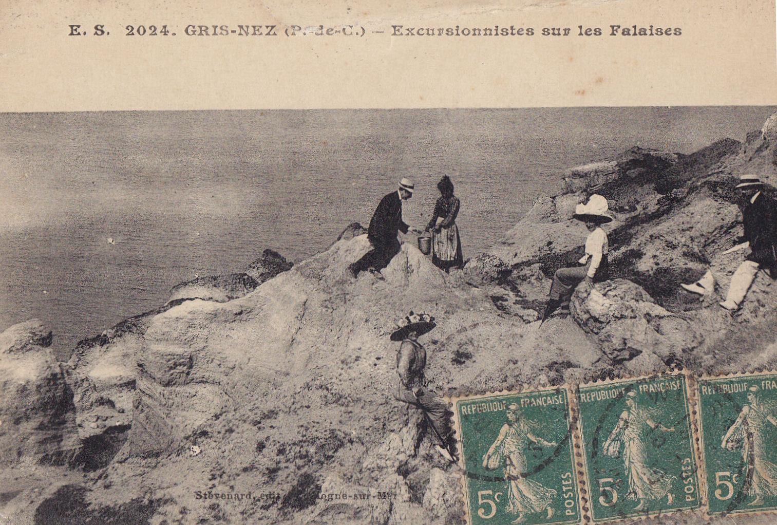Excursionnistes sur la falaise du Cap Gris Nez