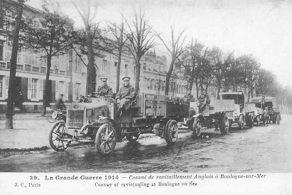 Guerre 14 Convoi de ravitaillement britannique traversant Boulogne sur Mer