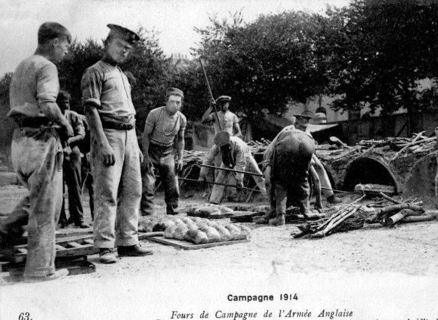 Guerre 14 Fours de campagne de l'armée anglaise pour les boulangers