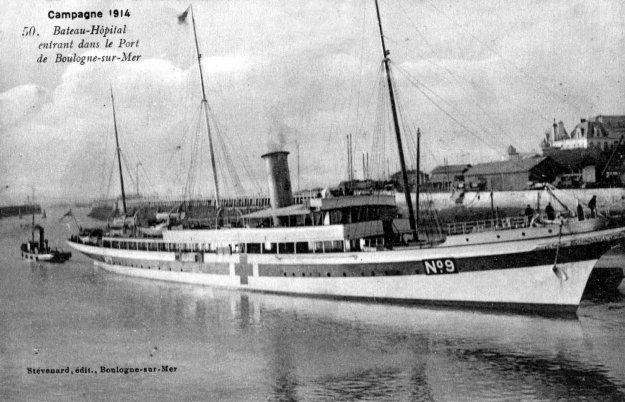 Guerre 14 Un bateau hôpital dans le port de Boulogne sur mer