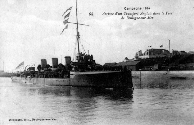Guerre 14 Arrivée d'un bateau anglais dans le port de Boulogne