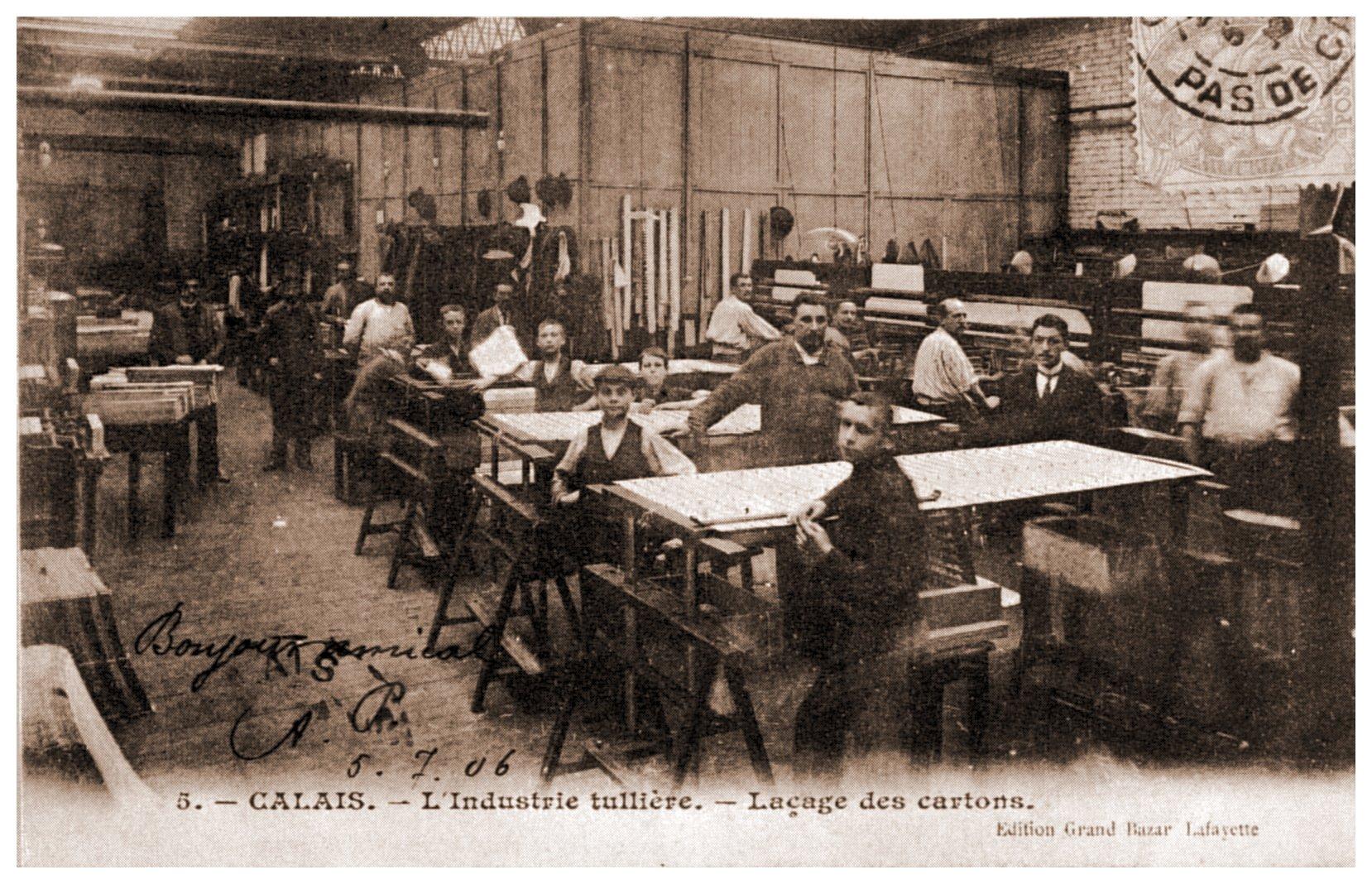 Calais : le laçage des cartons dans l'industrie de la tulle