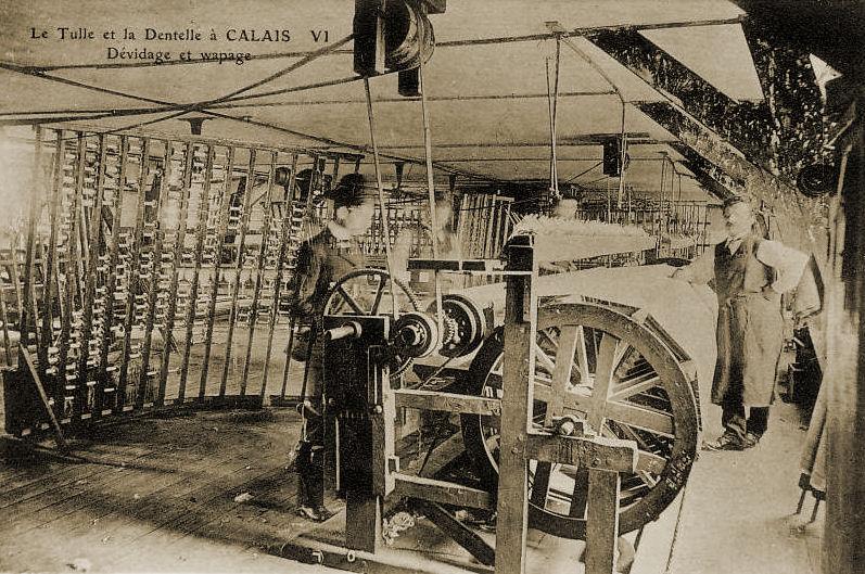 Calais et l'industrie de la dentelle - dévidage et wapage des bobines