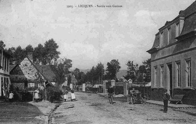 Licques - la sortie du bourg vers Guînes