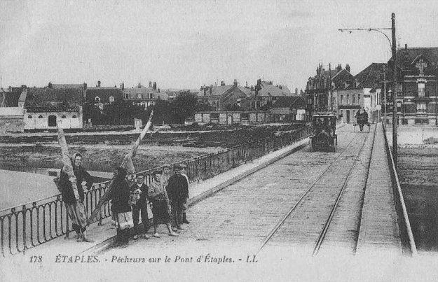 Pêcheurs sur le pont d'Etaples