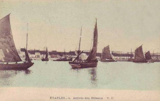 Etaples - l'arrivée des bateaux de pêche