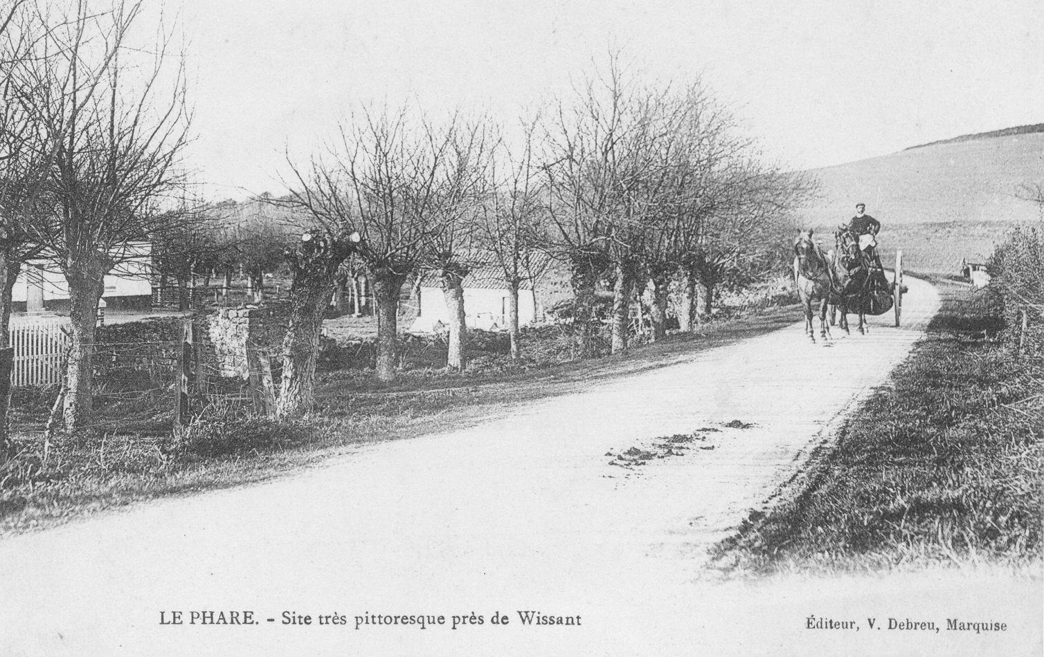 Wissant : le site très pittoresque du Phare et dans le fonds la défunte Motte-au-Vent